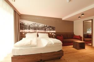 Dolomeet Boutique Hotel, Отели  Пинцоло - big - 12