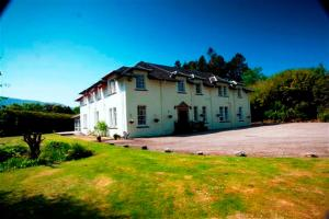 Mackinnon House & Lodge - Hotel - Kyleakin