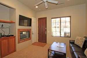 1 Bedroom Condominium in La Quinta, CA (#CLR102), Holiday homes  La Quinta - big - 9