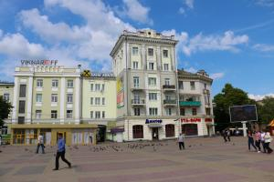 Hrushevsky Apartment Near The Theater, Apartmanok  Ternopil - big - 24