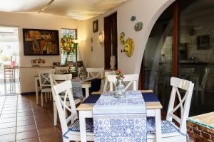 14 Leoni, Bed & Breakfasts  Salerno - big - 77
