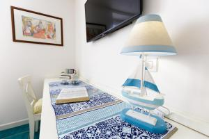 14 Leoni, Bed & Breakfasts  Salerno - big - 9