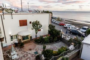 14 Leoni, Bed & Breakfasts  Salerno - big - 75