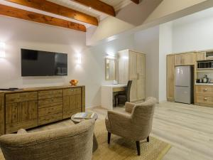 Family Suite with Patio