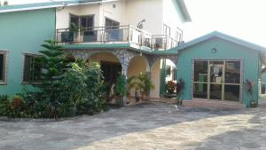 Royal George Guest House, Guest houses  Gbawe - big - 10