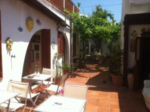 14 Leoni, Bed & Breakfasts  Salerno - big - 35