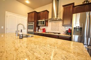 1401 Skyline Drive, Holiday homes  Louisville - big - 58