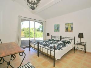 Villa Maubec, Vily  Maubec - big - 4
