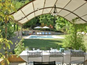 Villa Maubec, Vily  Maubec - big - 2