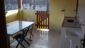 Casa do Paulo (2 quartos), Dovolenkové domy  Caraguatatuba - big - 57
