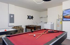 X-Large Pool With Game Room 11Cp14, Дома для отпуска  Давенпорт - big - 5