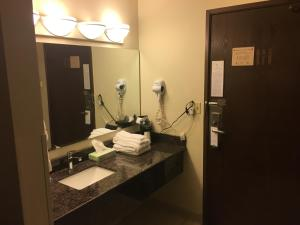 Quality Inn Milwaukee, Szállodák  Milwaukee - big - 28