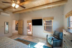 2 Bedroom - 10 Min. Walk to Plaza - Casa Estrella, Prázdninové domy  Santa Fe - big - 8
