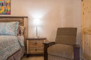 2 Bedroom - 10 Min. Walk to Plaza - Casa Estrella, Prázdninové domy  Santa Fe - big - 15
