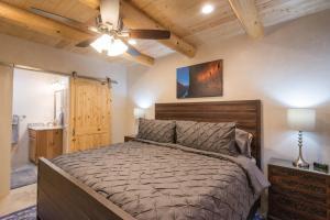2 Bedroom - 10 Min. Walk to Plaza - Casa Estrella, Prázdninové domy  Santa Fe - big - 22