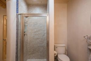2 Bedroom - 10 Min. Walk to Plaza - Casa Estrella, Prázdninové domy  Santa Fe - big - 24
