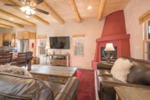 2 Bedroom - 10 Min. Walk to Plaza - Casa Estrella, Prázdninové domy  Santa Fe - big - 28