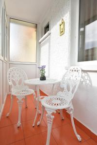 Nefertiti's Apartment, Appartamenti  Piatra Neamţ - big - 9