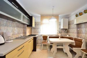 Nefertiti's Apartment, Appartamenti  Piatra Neamţ - big - 15
