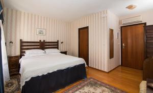 Hotel Pasike, Отели  Трогир - big - 15