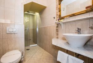 Hotel Pasike, Отели  Трогир - big - 9