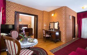 Hotel Pasike, Отели  Трогир - big - 6