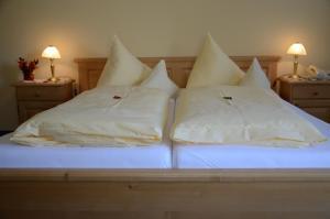 Hotel-Pension Falkensteiner, Hotels  Sankt Gilgen - big - 8