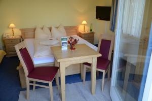 Hotel-Pension Falkensteiner, Hotels  Sankt Gilgen - big - 7
