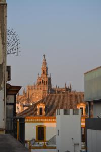 Sevilla Premium Maestranza, Apartmanok  Sevilla - big - 1