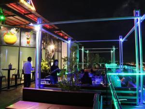 Yeak Loam Hotel, Отели  Banlung - big - 99