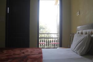 Spacious Rooms In mussoorie, Guest houses  Mussoorie - big - 18