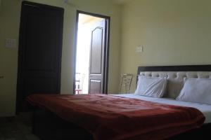Spacious Rooms In mussoorie, Guest houses  Mussoorie - big - 15