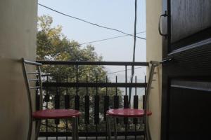 Spacious Rooms In mussoorie, Guest houses  Mussoorie - big - 1