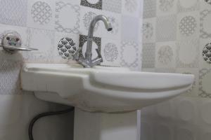 Spacious Rooms In mussoorie, Guest houses  Mussoorie - big - 8