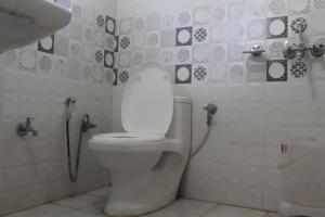 Spacious Rooms In mussoorie, Guest houses  Mussoorie - big - 6
