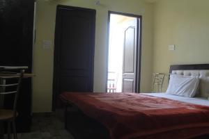 Spacious Rooms In mussoorie, Guest houses  Mussoorie - big - 3