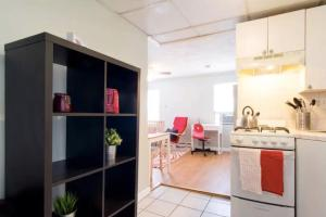 CUTE and COZY apartment 1BR/1BA with parking close to MIT