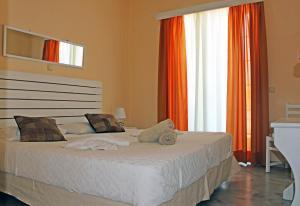 Castello Bianco Aparthotel, Apartmánové hotely  Platanes - big - 3