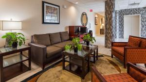 Best Western Airport Inn & Suites Cleveland, Szállodák  Brook Park - big - 23