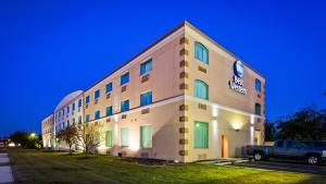 Best Western Airport Inn & Suites Cleveland, Szállodák  Brook Park - big - 26