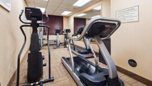 Best Western Airport Inn & Suites Cleveland, Hotels  Brook Park - big - 28