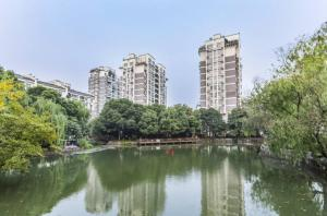 Jinghang Grand Canal View Apartment