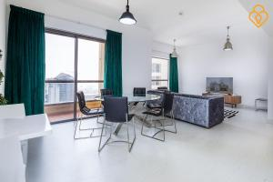 Keysplease Luxury 2 B/R Rimal Beach Apt, Apartmány  Dubaj - big - 35