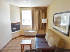 One Bedroom Suite with 1 Queen Bed - Non-Smoking