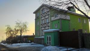 Отель Holiday на Заречной, Красноярск