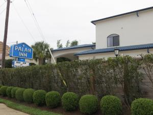 Palace Inn Harwin - Piney Point Village