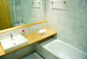 Madrid Suites Gran Via, Apartments  Madrid - big - 13