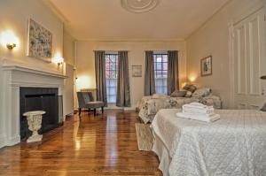 Iconic Beacon Hill Apartment on Quiet Street, Apartmanok  Boston - big - 13