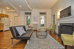 Iconic Beacon Hill Apartment on Quiet Street, Apartmanok  Boston - big - 10