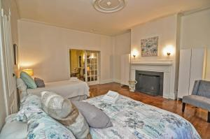 Iconic Beacon Hill Apartment on Quiet Street, Apartmanok  Boston - big - 9